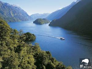 神奇峡湾(Doubtful Sound)